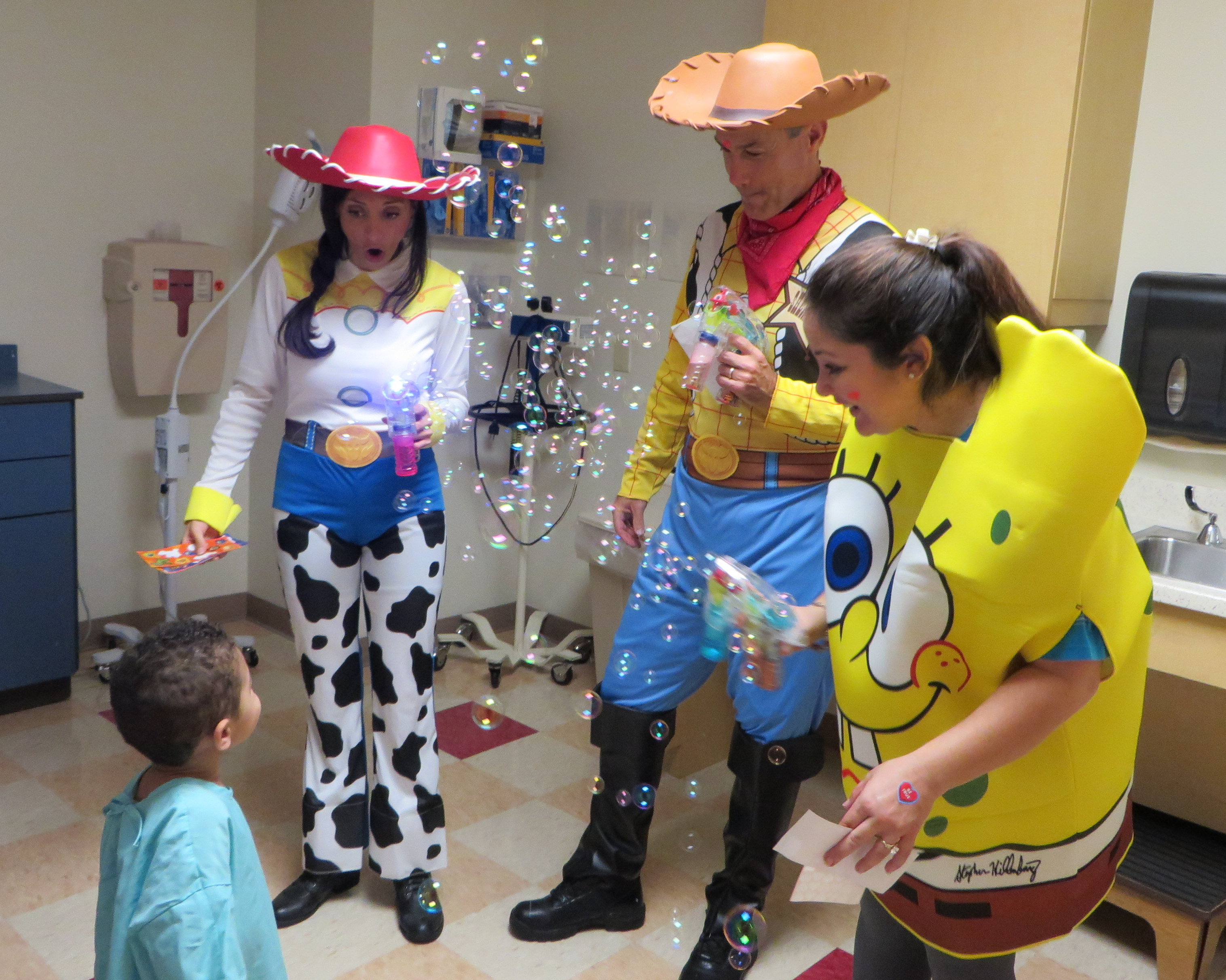 Woody Jessie And Special Guest Spongebob Bring Smiles To